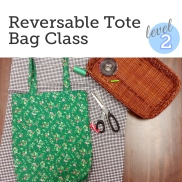 http://bobbinandink.com/classes/sewing/level2/reversibletotebag/